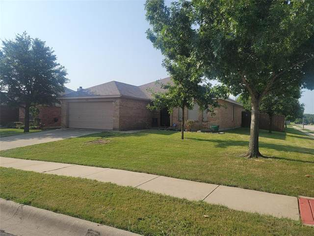 1529 Evan Drive, Denton, TX 76207 (MLS #14631342) :: Real Estate By Design