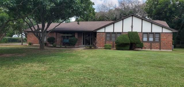111 Mccullar Road, Burleson, TX 76028 (MLS #14631503) :: Frankie Arthur Real Estate