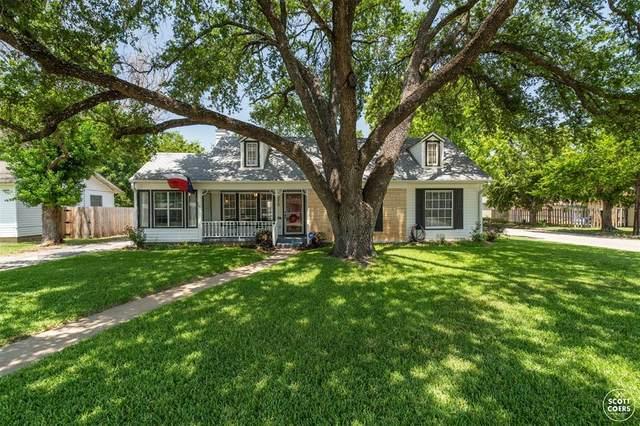 2210 1st Street, Brownwood, TX 76801 (MLS #14631699) :: Jones-Papadopoulos & Co