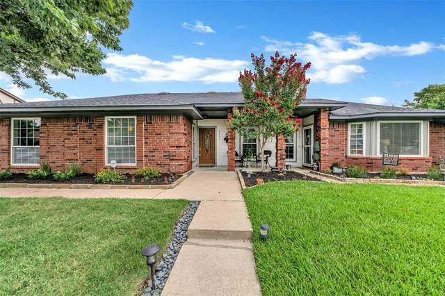 2401 Dalewood Lane, Bedford, TX 76022 (MLS #14632016) :: 1st Choice Realty