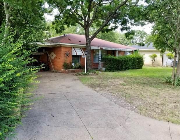 7117 Sorenson Circle, Dallas, TX 75227 (MLS #14632056) :: Real Estate By Design
