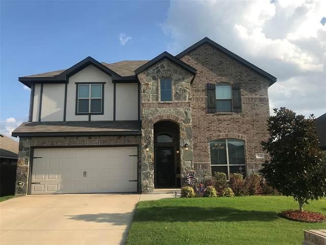 737 Ravenwood Drive, Saginaw, TX 76179 (MLS #14632082) :: Real Estate By Design