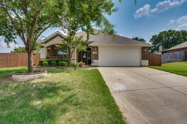 416 Hidden Lake Court, Burleson, TX 76028 (MLS #14632210) :: Real Estate By Design