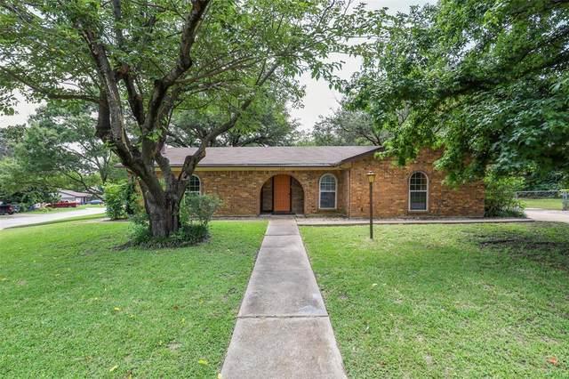 220 Short Street, Burleson, TX 76028 (MLS #14632230) :: Real Estate By Design