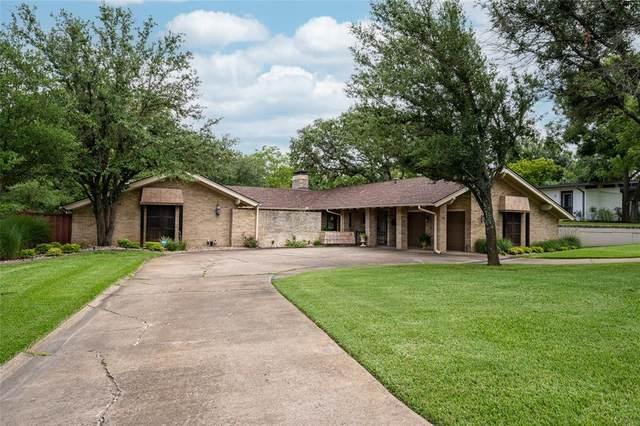 1201 Western Hills Drive, Sherman, TX 75092 (MLS #14632320) :: The Great Home Team