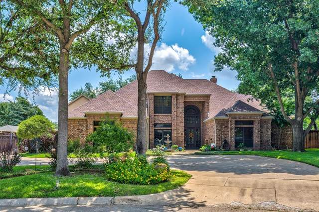 4 Heritage Court, Grand Prairie, TX 75050 (MLS #14632376) :: Real Estate By Design