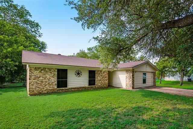 1209 Davis Street, Cleburne, TX 76033 (MLS #14632475) :: Jones-Papadopoulos & Co