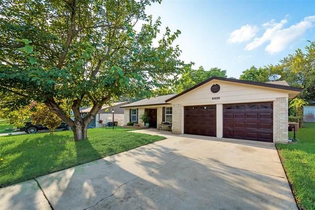6925 Van Natta Lane, Fort Worth, TX 76112 (MLS #14632723) :: Front Real Estate Co.