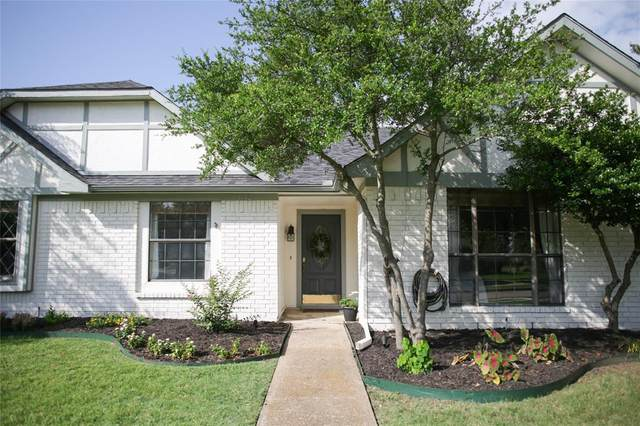 1642 Autumn Breeze Lane, Lewisville, TX 75077 (MLS #14632761) :: Real Estate By Design