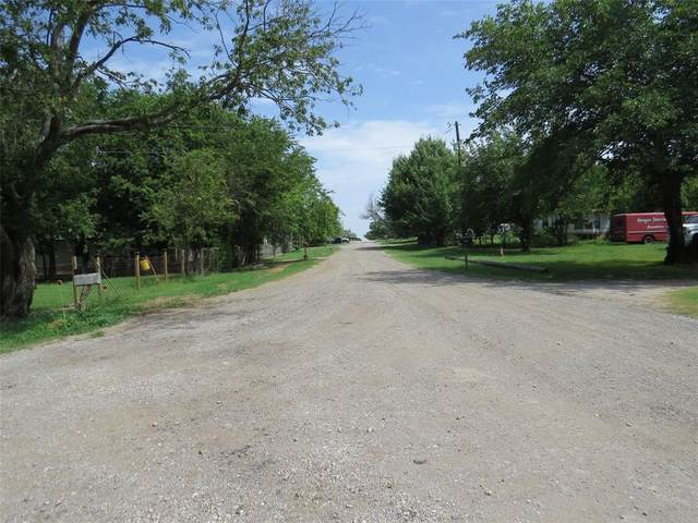 11909 Joyce Lane, Roanoke, TX 76262 (MLS #14632810) :: RE/MAX Pinnacle Group REALTORS