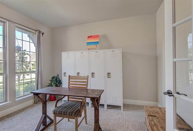 316 Bayonet Drive, Fort Worth, TX 76108 (MLS #14633117) :: Real Estate By Design