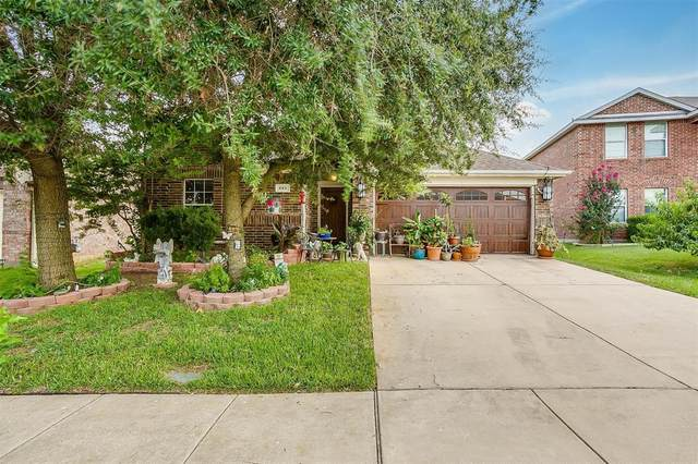 593 Creekbend Street, Crowley, TX 76036 (MLS #14633135) :: Real Estate By Design
