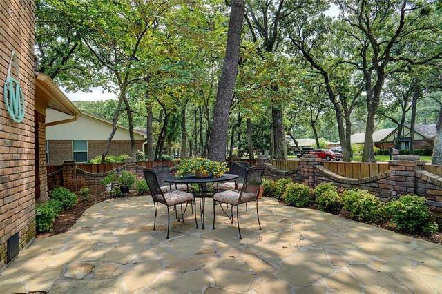 2952 Wentwood Drive, Grapevine, TX 76051 (MLS #14633161) :: Wood Real Estate Group