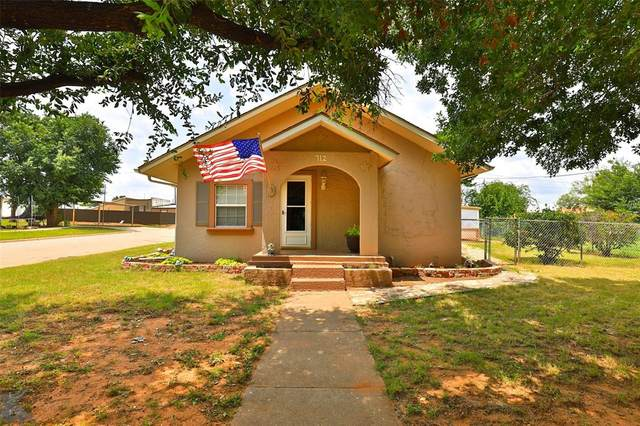 712 Lubbock Street, Sweetwater, TX 79556 (MLS #14633187) :: Texas Lifestyles Group at Keller Williams Realty