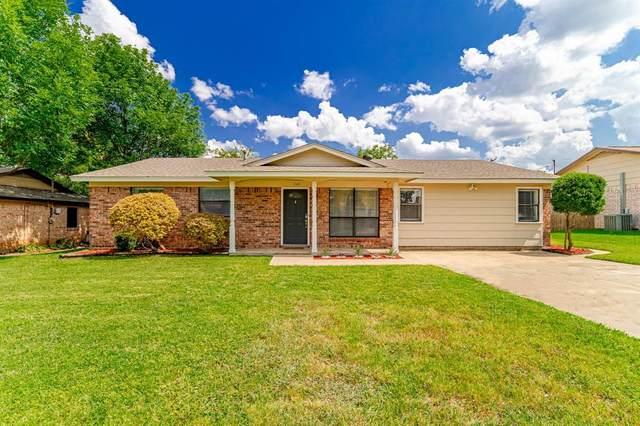 240 E Malone Avenue, Crowley, TX 76036 (MLS #14633406) :: The Great Home Team