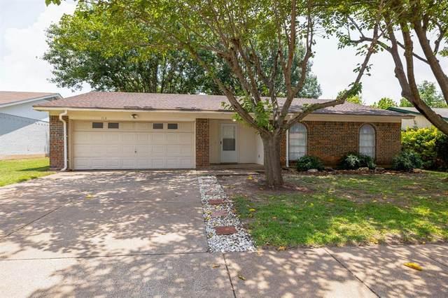 713 Rockledge Drive, Saginaw, TX 76179 (MLS #14633433) :: 1st Choice Realty