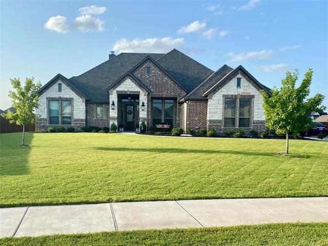 301 Equestrian Drive, Waxahachie, TX 75165 (MLS #14633482) :: The Rhodes Team