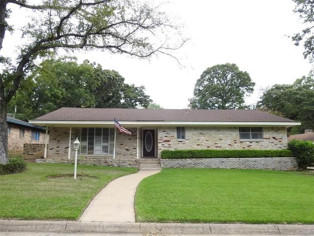 135 Circle Drive, Denison, TX 75021 (MLS #14633615) :: 1st Choice Realty
