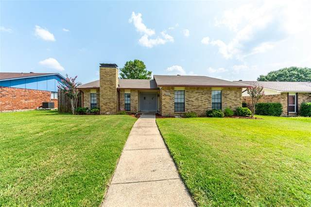 2202 Proctor Drive, Carrollton, TX 75007 (MLS #14633643) :: 1st Choice Realty