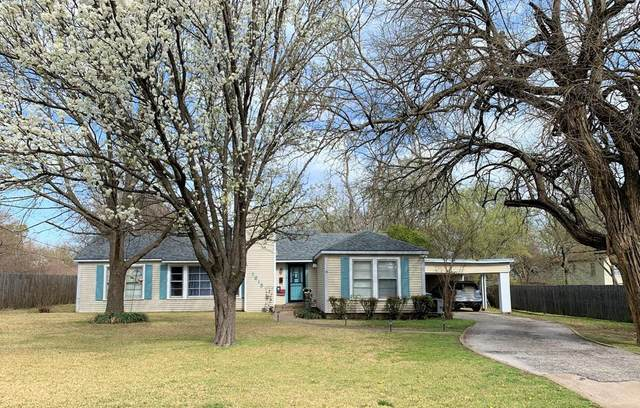 1615 N Shannon Street, Sherman, TX 75092 (#14633651) :: Homes By Lainie Real Estate Group