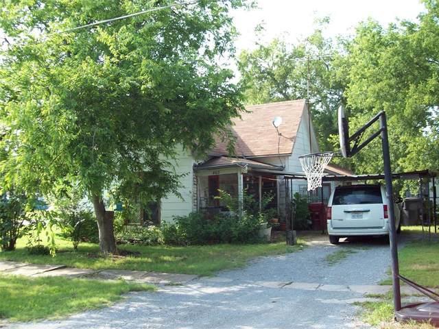 402 E Walnut Street, Whitewright, TX 75491 (MLS #14633667) :: The Great Home Team