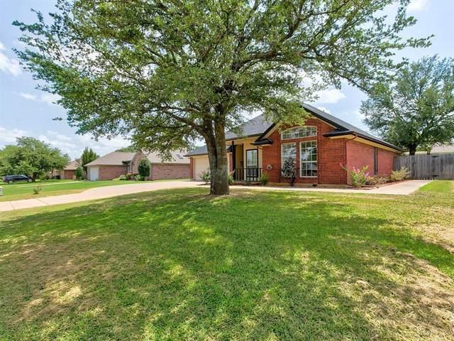 1610 Hyde Park Boulevard, Cleburne, TX 76033 (MLS #14633721) :: Jones-Papadopoulos & Co