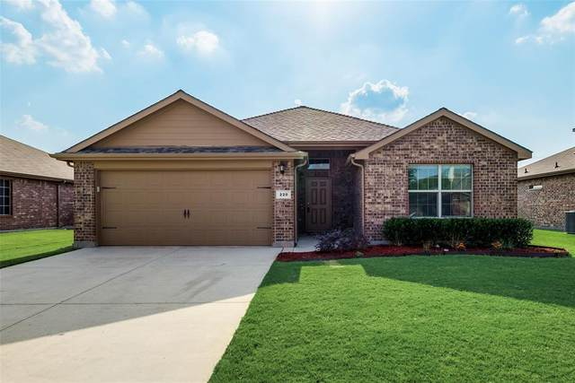 220 Oaklawn Drive, Ponder, TX 76259 (MLS #14633726) :: Real Estate By Design