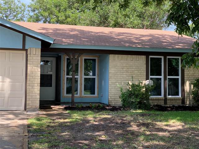 340 Summercrest Boulevard, Burleson, TX 76028 (MLS #14633915) :: Front Real Estate Co.