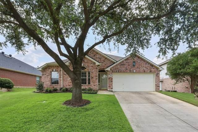 2611 Brandi Lane, Corinth, TX 76210 (MLS #14633929) :: Real Estate By Design