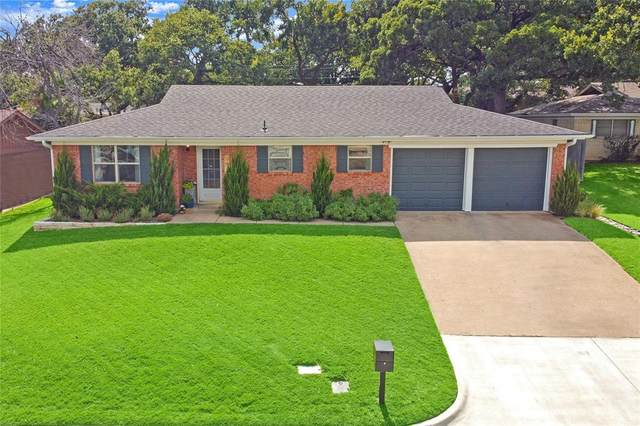 901 Gregory Avenue, Bedford, TX 76022 (MLS #14634110) :: Front Real Estate Co.