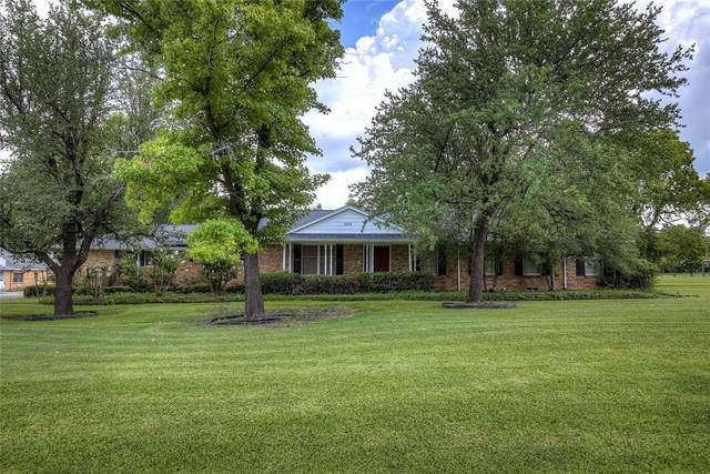204 W Crockett Street, Wolfe City, TX 75496 (MLS #14634327) :: The Kimberly Davis Group