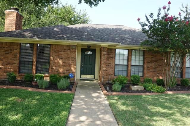 2164 Wren Lane, Lewisville, TX 75077 (MLS #14634336) :: Real Estate By Design