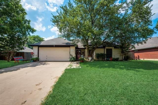 521 Pleasant Valley Drive, Burleson, TX 76028 (MLS #14634485) :: Keller Williams Realty