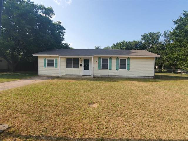 2808 Glen Cove, Brownwood, TX 76801 (MLS #14634523) :: The Kimberly Davis Group