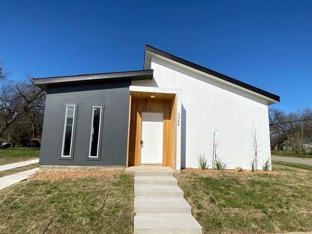 1349 E Arlington Avenue, Fort Worth, TX 76104 (MLS #14634544) :: Real Estate By Design