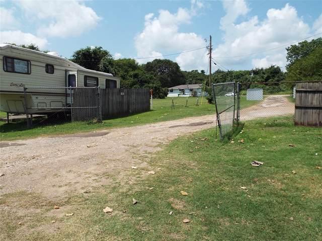 8268 Texas Avenue, Kemp, TX 75143 (MLS #14634610) :: 1st Choice Realty