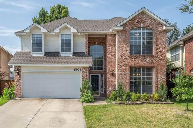 1901 Brook Lane, Flower Mound, TX 75028 (MLS #14634761) :: Real Estate By Design