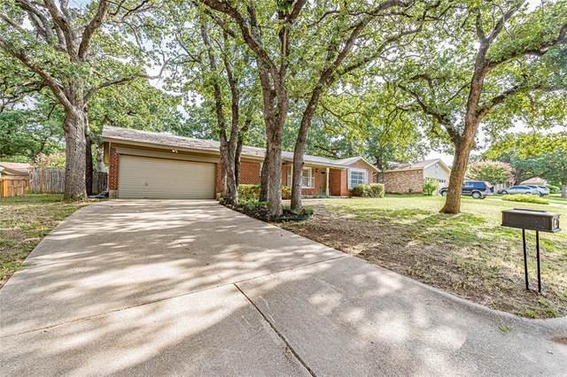 844 Woodcrest Drive, Hurst, TX 76053 (MLS #14635137) :: NewHomePrograms.com