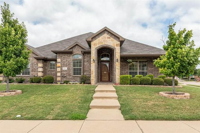 8221 Misty Water Drive, Fort Worth, TX 76131 (MLS #14635204) :: Potts Realty Group