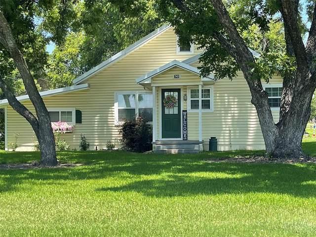 741 W Juarez Avenue, De Leon, TX 76444 (#14635214) :: Homes By Lainie Real Estate Group