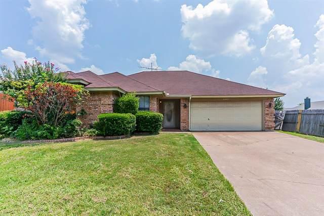 8204 Mark Lane, Watauga, TX 76148 (MLS #14635242) :: Real Estate By Design