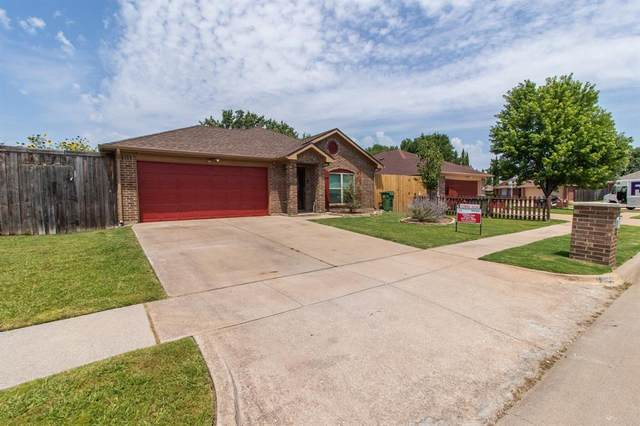 7002 Snowivy Court, Arlington, TX 76001 (MLS #14635309) :: Real Estate By Design