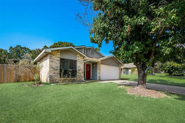 7720 Portman Avenue, Fort Worth, TX 76112 (MLS #14635373) :: Maegan Brest   Keller Williams Realty