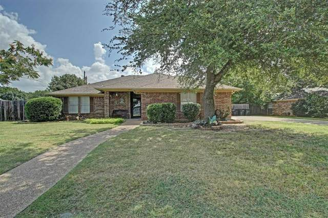 1203 Hyde Park Boulevard, Cleburne, TX 76033 (MLS #14635941) :: The Mauelshagen Group
