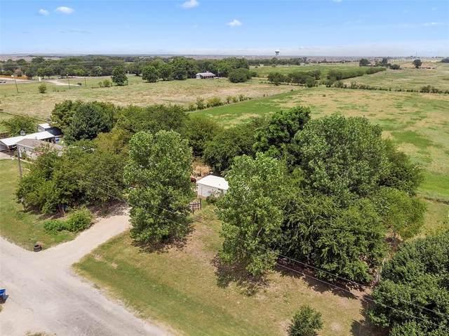 2068 Dove Creek Circle, Aubrey, TX 76227 (MLS #14636003) :: The Star Team | Rogers Healy and Associates