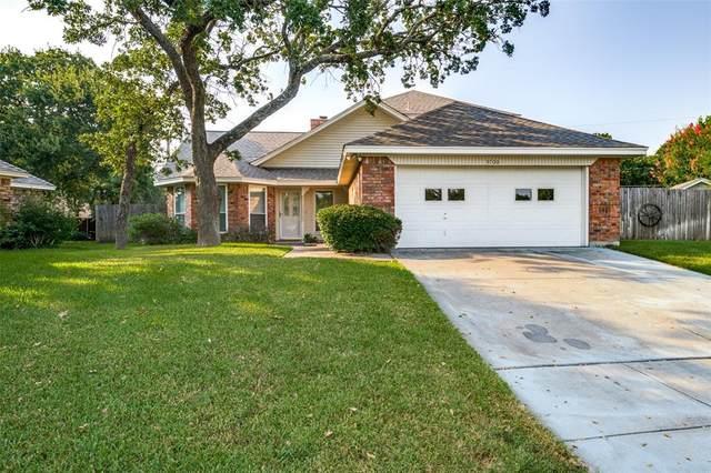 3700 Meadowedge Road, Arlington, TX 76001 (MLS #14636051) :: Real Estate By Design