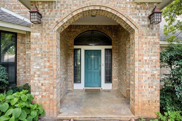 12 Colonial Court, Trophy Club, TX 76262 (MLS #14636062) :: Real Estate By Design
