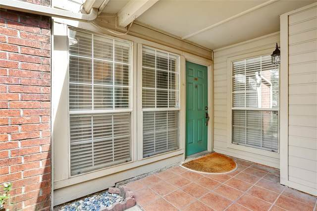 1452 Meadowood Village Drive, Fort Worth, TX 76120 (MLS #14636069) :: Front Real Estate Co.