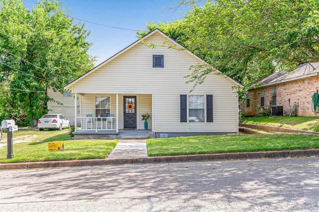 805 W Bridge Street, Weatherford, TX 76086 (MLS #14636399) :: Team Tiller