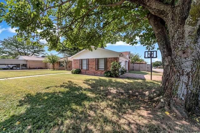 545 Mustang Drive, Saginaw, TX 76179 (MLS #14636495) :: Real Estate By Design